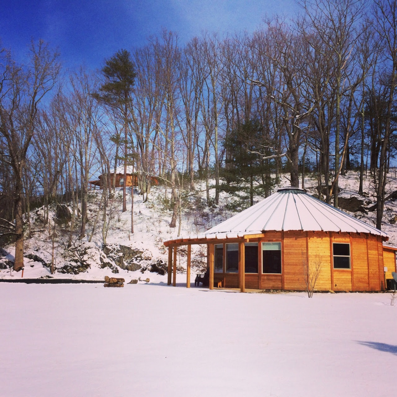 Yurt in snowy Virginia Douglas Dear / roseriverfarm.com