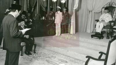 敦马哈迪医生是于1981年7月16日,在国家皇宫宣誓就职,出任马来西亚第4任首相。