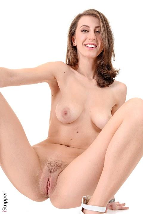 Emylia Argan Nude images (#Hot 2020)