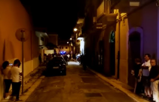 Palo del colle: Si era barricato in casa con un fucile, 40enne portato via in ambulanza: le cause del gesto Foto e video