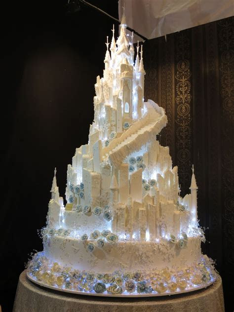 Pin by Mary Wantz on Magnificent Cakes..   Extravagant