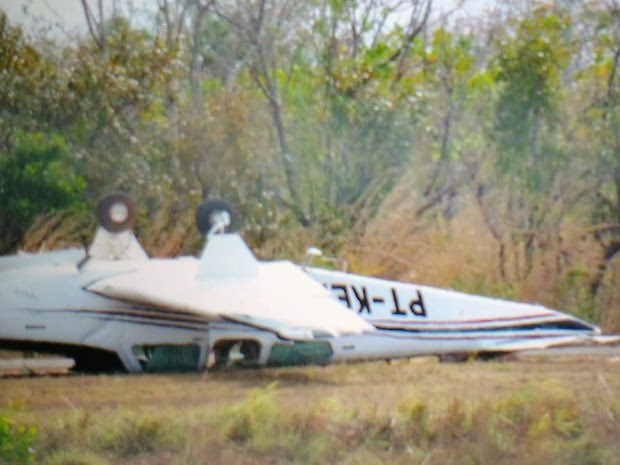 Avião de pequeno porte ficou de cabeça para baixo em MT (Foto:  Marilaine Santana/Arquivo pessoal)