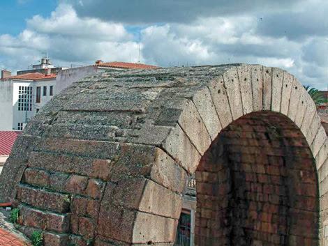 Arco de Trajano, vista superior