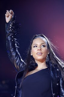 In this May 9, 2010 file photo, U.S. singer Alicia Keys performs on stage at the Festhalle in Frankfurt am Main, Germany. (AP Photo/Mario Vedder, file) by Pan-African News Wire File Photos