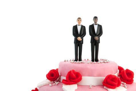 Oregon judge fines Christian bakers $135,000 for refusing