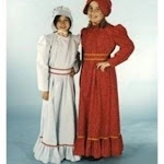 Alexander Costume 11-163-R Pioneer Girl Costume - Red 8-10