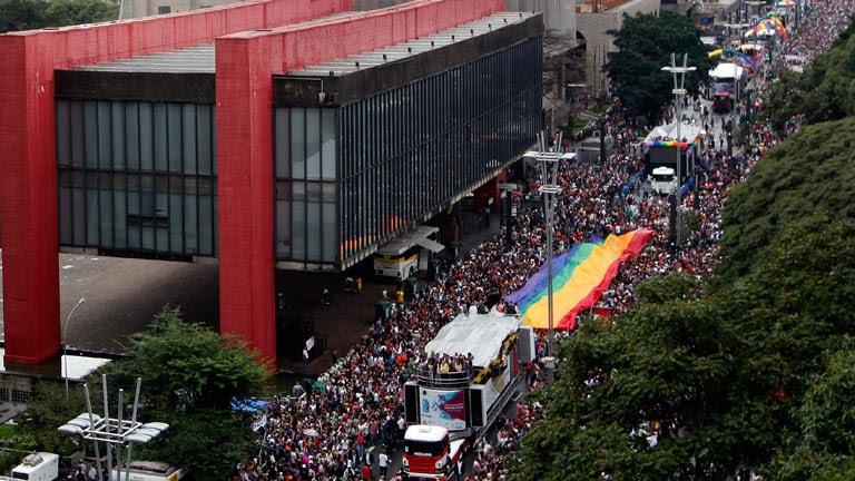 Millones de personas celebran el Desfile del Orgullo Gay en Brasil