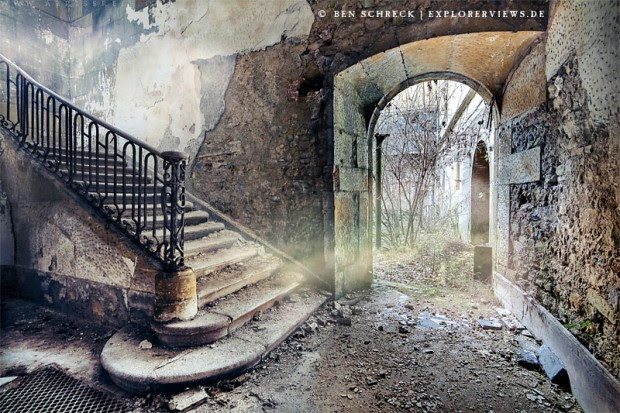 The Variety of Urban Decay Photography   14 Amazing Photos