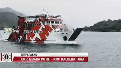 Video: Menuju Muara, Berpapasan Dengan KMP Kaldera Toba di Tengah Danau