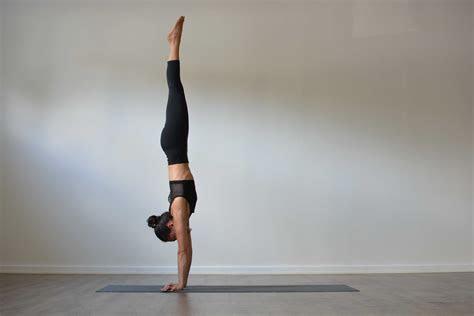adho mukha vrksasana handstand yogateket