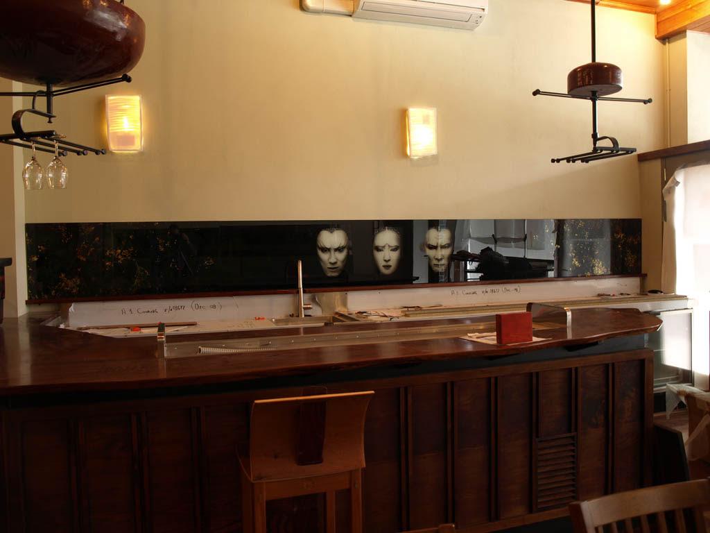 Kitchen splashbacks and glass wall panels