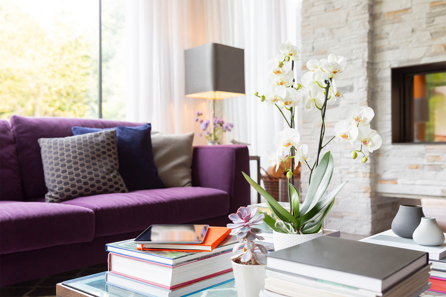 How to decorate your coffee table: 7 gorgeous coffee table ...