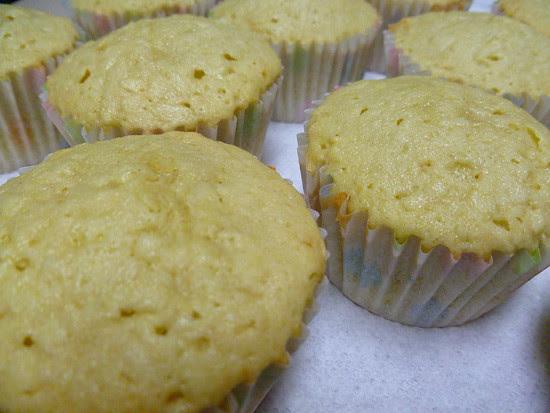 04 April 27 - 02 - Coconut Chick Cupcakes (4)