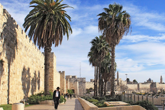 10+ Things Everyone Should Know Before Visiting Israel | Green and Turquoise