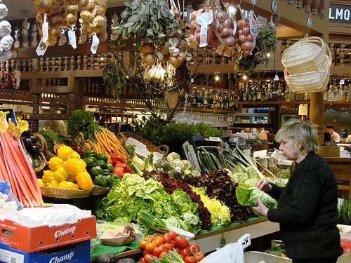 food market on östermalmstorg 01