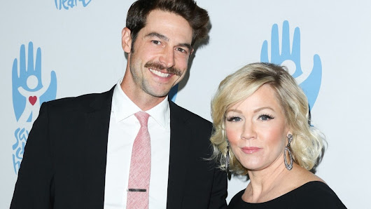 Jennie Garth's husband David Abrams files for divorce