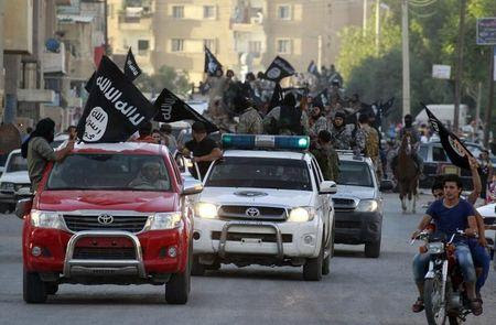 Islamic State calls on backers to kill 100 U.S. military personnel