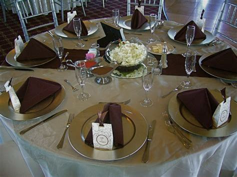 Linen Like Paper Table Runners Wholesale Disposable