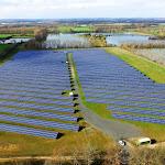 Un champ solaire à l'aéroport Paris-Vatry