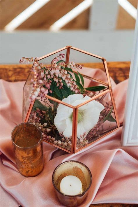 Best 25  Rose gold centerpiece ideas on Pinterest