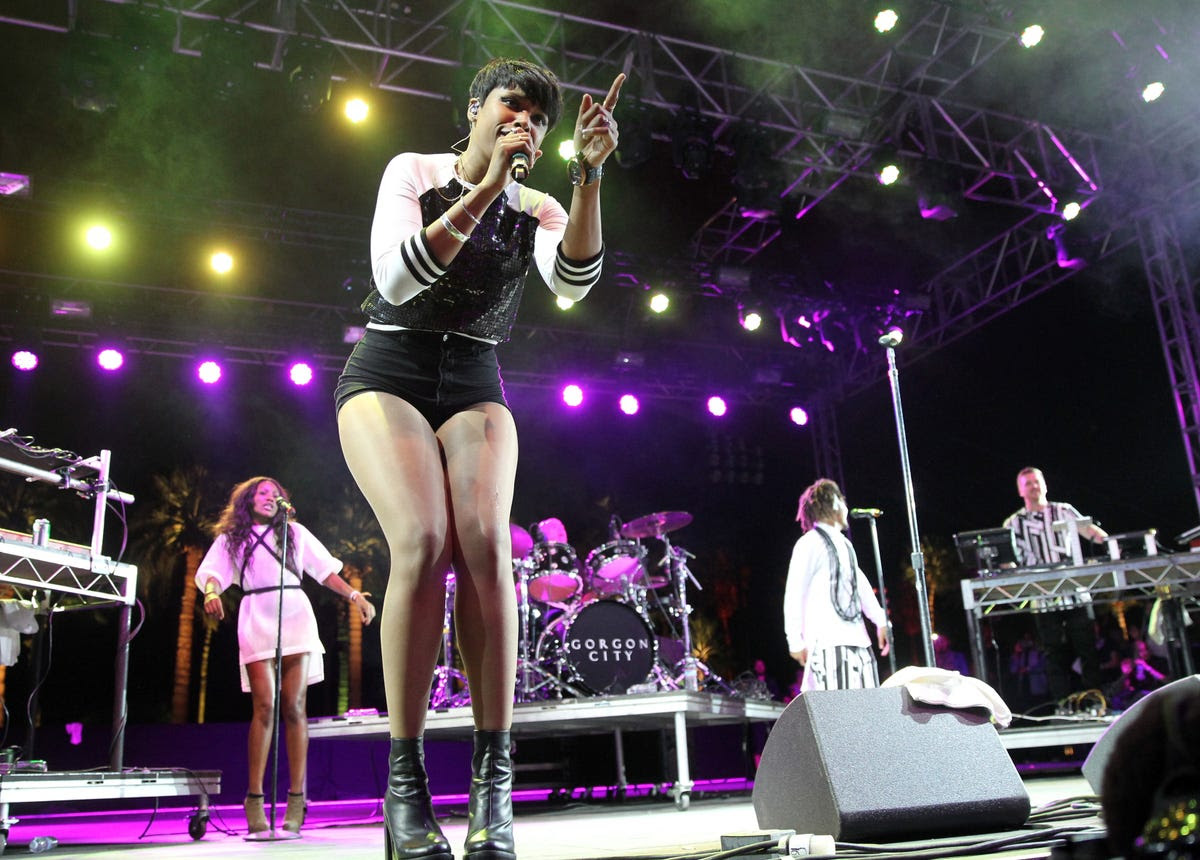 Jennifer Hudson surprised the crowd by performing alongside English garage duo Gorgon City.