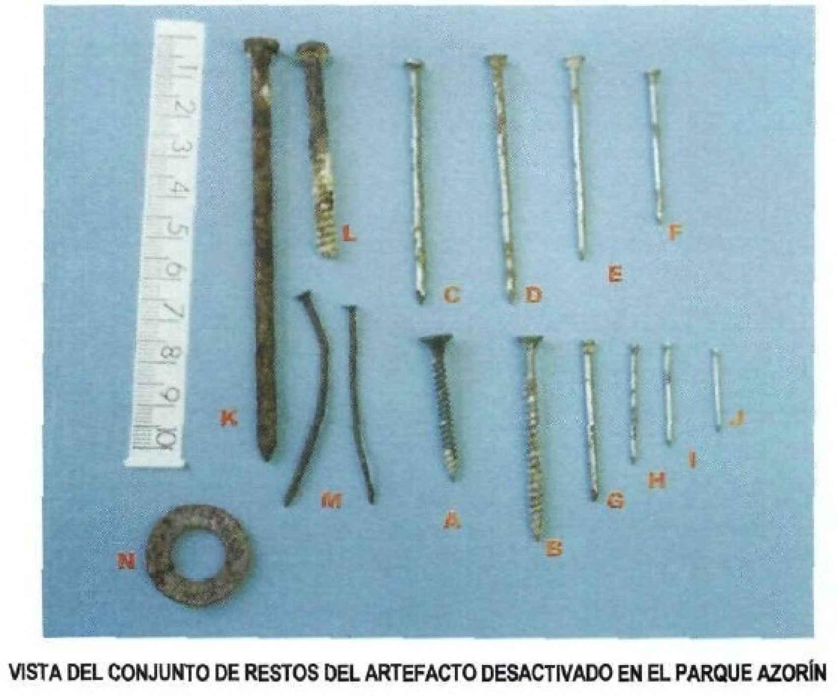 Modelos de la metralla atribuida a la mochila de Vallecas en el informe de diciembre de 2005.
