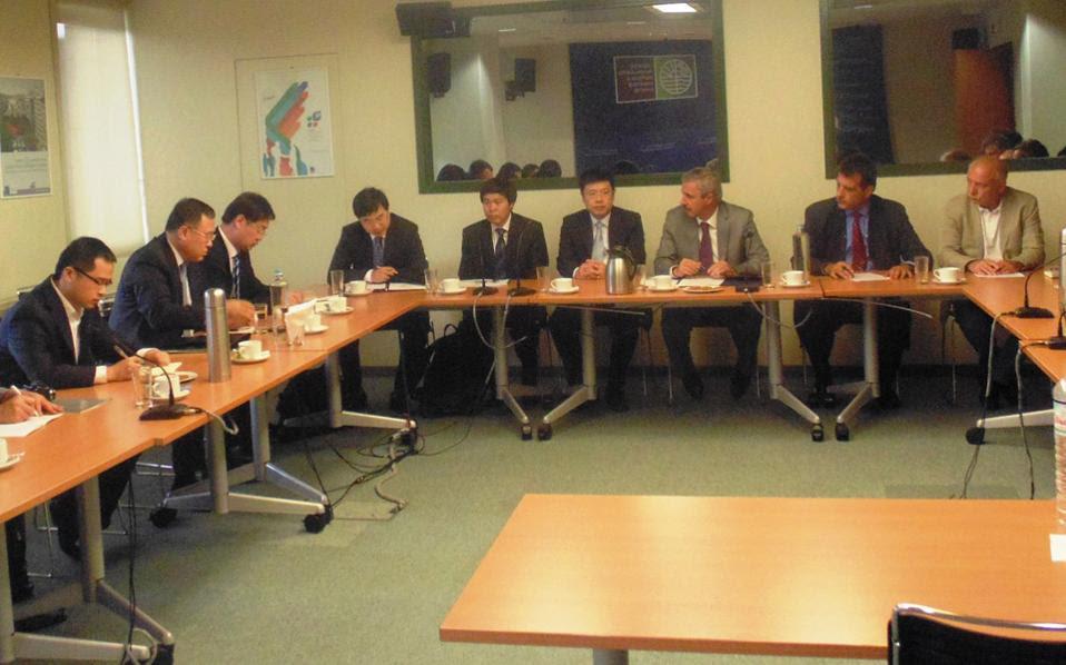 Κατά τη διάρκεια της παραμονής του στην Ελλάδα το εξαμελές κλιμάκιο των Κινέζων ειδικών συναντήθηκε με τον υπουργό Περιβάλλοντος Γ. Μανιάτη.