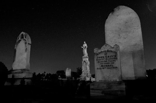 Ghost Tour Haunts of Melbourne and Victoria