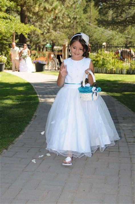 Flower Girl Petals   Lake Tahoe Weddings
