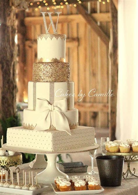 17 Best images about Wedding Cakes on Pinterest   Vintage