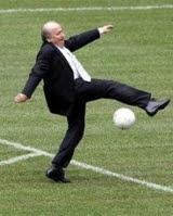 Blatter: Defiant
