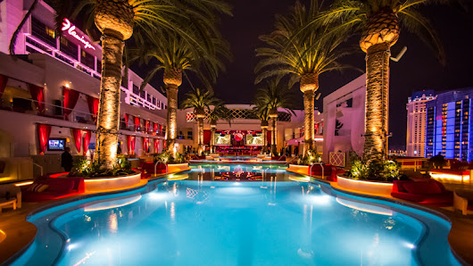 Drai's Beach Club Pool Party ☀ Cabana Rental | Bachelor Vegas
