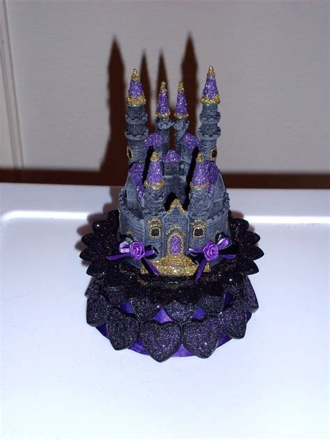 gothic cake toppers   AlternaBrides