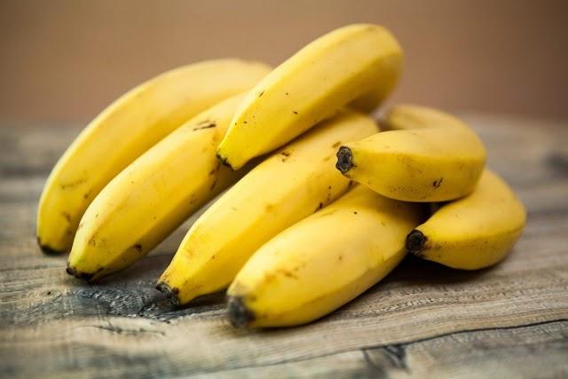 केळी खाणे ठरते आरोग्यासाठी हितकारक