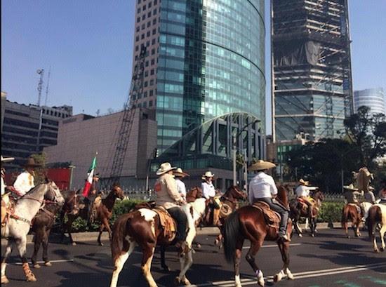 Pancho Villa reivindicacion caballos México: aparece asesinado el primero de los 43 estudiantes normalistas desaparecidos