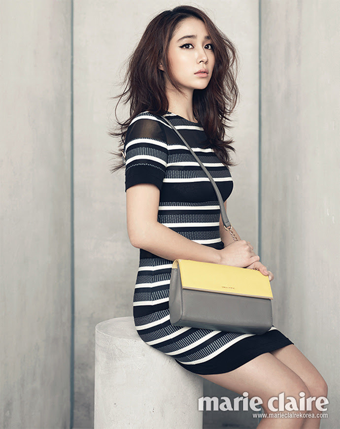 Photoshoot Stunning Actress Lee Min Jung for 'Marie ...