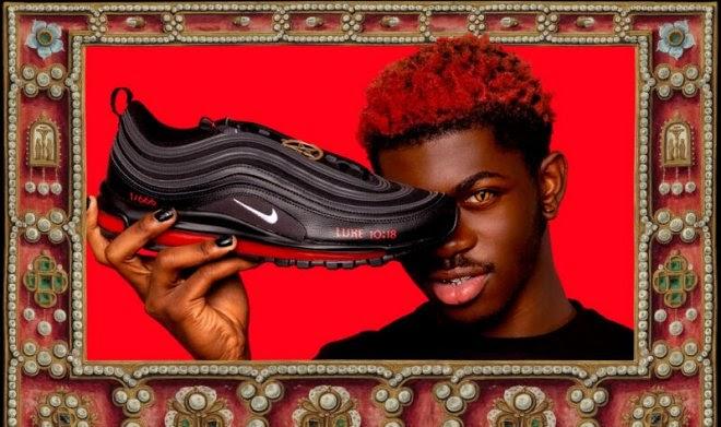 Nike подает в суд на создателей «Кроссовок Сатаны»