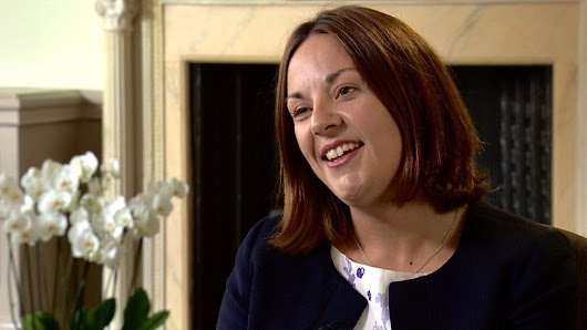 Kezia Dugdale quits as Scottish Labour leader - BBC News
