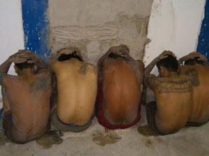 Polícia encontrou 12 presos dentro de um túnel (Foto: Ascom/PM)
