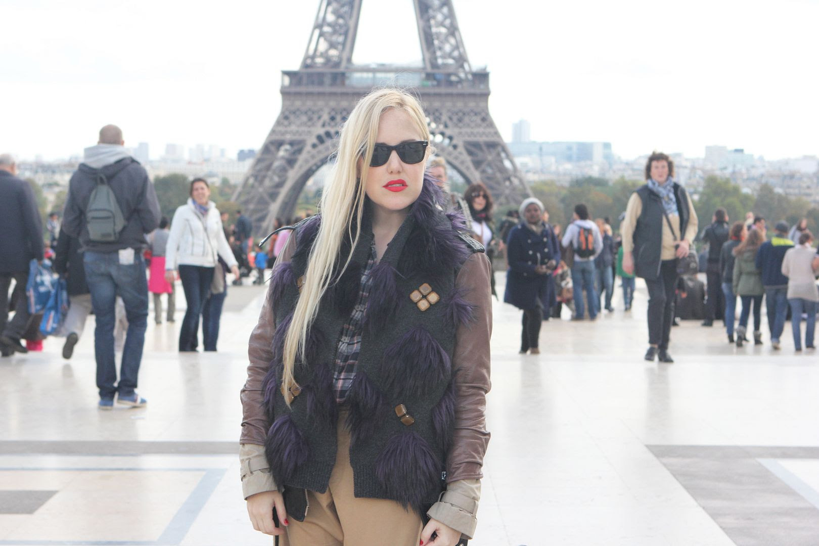 photo eiffeltower-marcjacobsscarf-paris-simonecamillebag-3_zpsb27ef1d1.jpg
