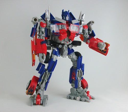 Transformers Optimus Prime RotF Leader - modo robot