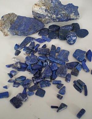 Rough and polished Lapis lazuli.