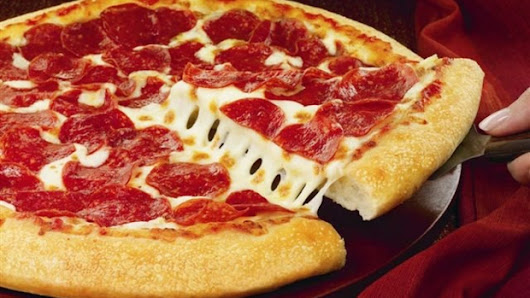 Eating pizza while driving leads to drug charges against 2 Ontario men
