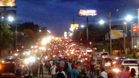 Protesters multiplying throughout the Country of Honduras Calling for President Juan Orlando Hernández to Resign