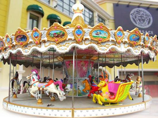 Fairground carousel with 16 seat