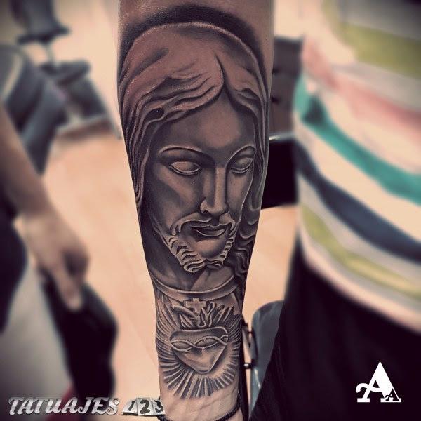 Cristo Escultura Tatuajes 123