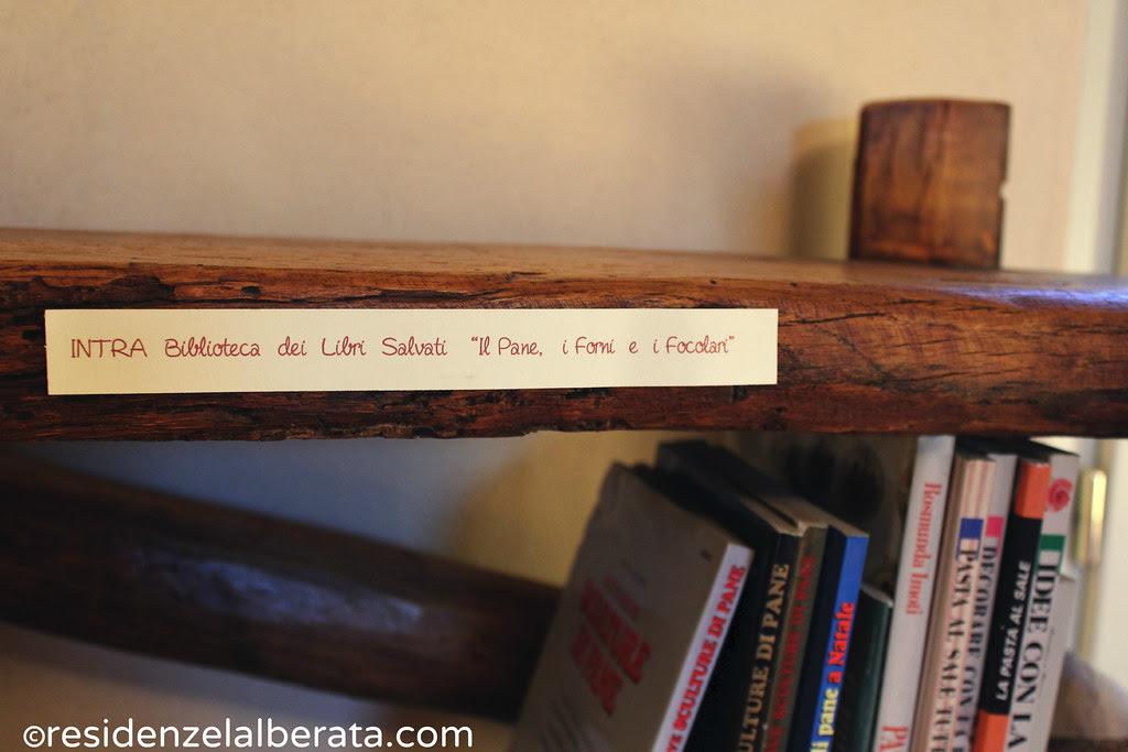 "biblioteca dei libri salvati ""I Pani, i Forni e i Focolari"""