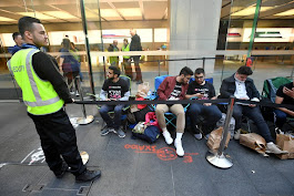 This may finally be the year the iPhone line ritual dies a natural death