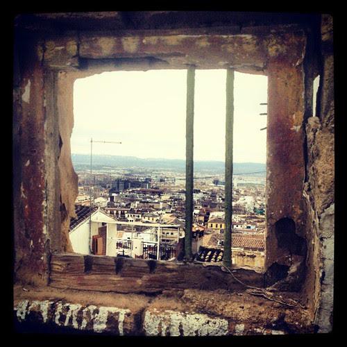 Ventajoso-mirador para pobres. #realejo #granadaSecreta #granadasecreta #granadassecreta #gf_spain #gf_daily # by Javier Satori