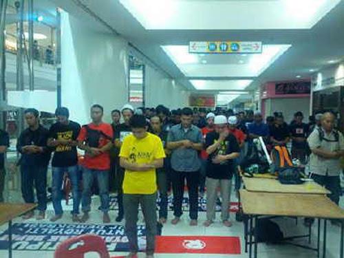8835118035 2219e9f258 o Gambar dan Video Perhimpunan Blackout 505 di Petaling Jaya 25 Mei 2013